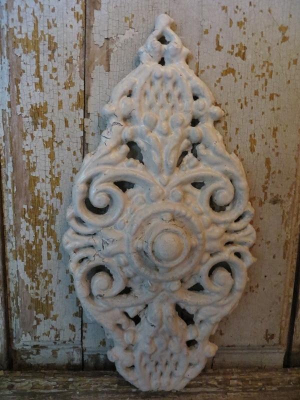Onwijs Wit gietijzeren ornament | Emaille-(giet)ijzer-zink | Van Franse NX-93