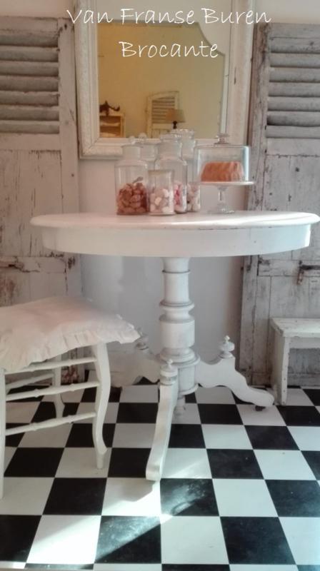 Franse ovale witte tafel op wieltjes