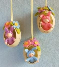 3 Paashaasjes in een ei