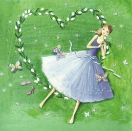Dromend meisje met bloemenhart, Kristiana Heinemann