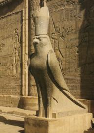 Horusvalk met dubbele kroon, Egyptisch