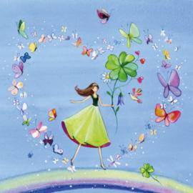 Vrouw op regenboog in hart van vlinders, Kristiana Heinemann