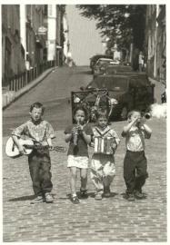 Boys band, B. Hoghes