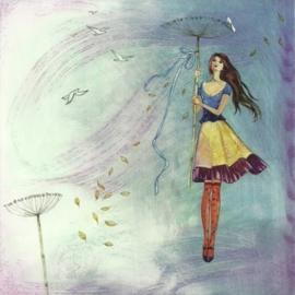 Vrouw draagt bloemstengel met strik, Kristiana Heinemann