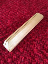 Kaartenstandaard Franke houtsnijwerk 16,5 cm lang