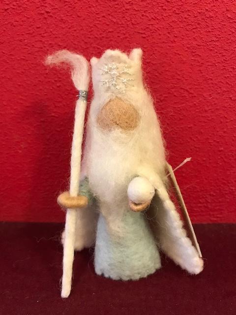 Koning Winter, wol,  ijsblauw, hoogte 11,5 cm