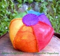Regenboog bal (zelfmaakpakketje)
