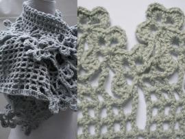 sjaal met bloemenrand