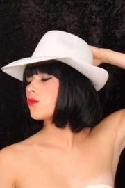 Witte Al capone hoed populair