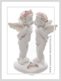 KISSING CHERUB ON HEART WITH PINK ROSES