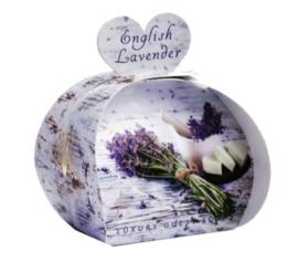Tasje met 3 hartvormige zeepjes English Lavender