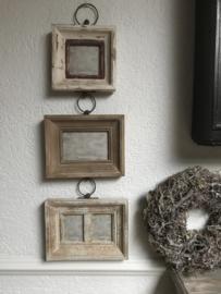 Hangende brocante fotolijst voor 4 foto's