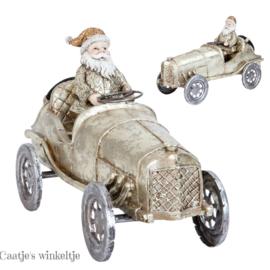 Nostalgische auto met Kerstman