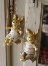 Set van 2 konijntjes op schommel