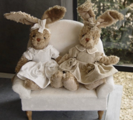 Pluche konijn met jurkje wit 30 cm