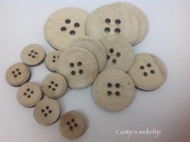 Set van 15 grote houten knopen
