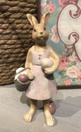 Decoratie konijn meisje met mandje