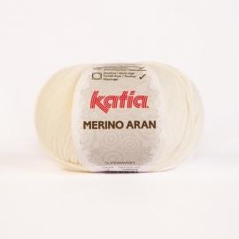 Katia Merino Aran 03 Gebroken wit