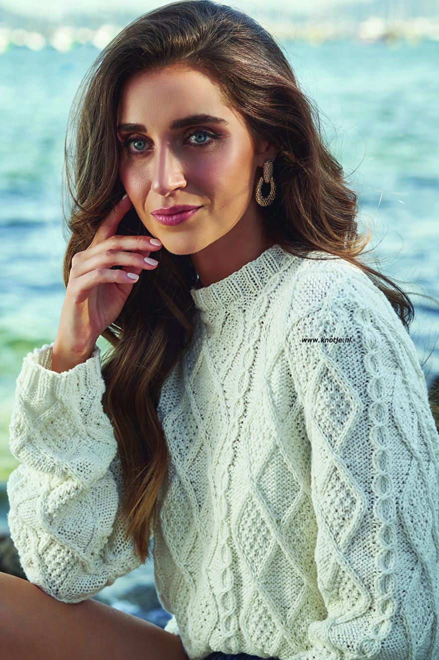010 cable sweater 1kopie.jpg