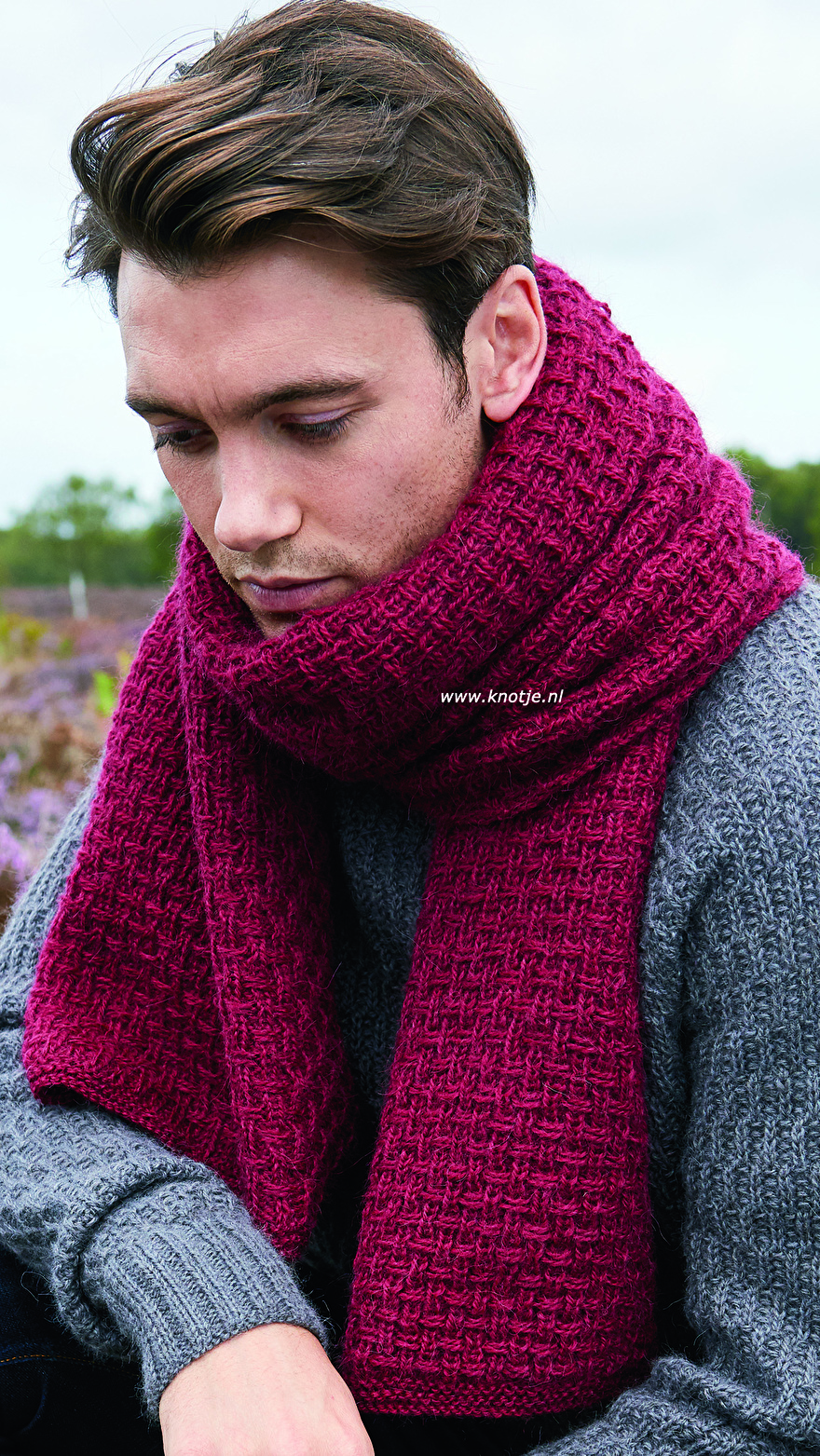 Buckler Sweater_Fingle Scarf 3kopie.jpg