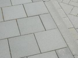 Halve betontegel 15x30x4,5 cm