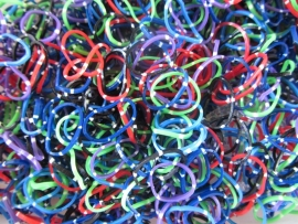 Stip mix elastiekjes ± 600 stuks + 24 clips
