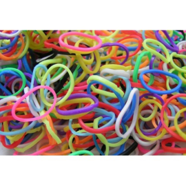 Gemengde mix  elastiekjes  ± 600 stuks + 24 clips