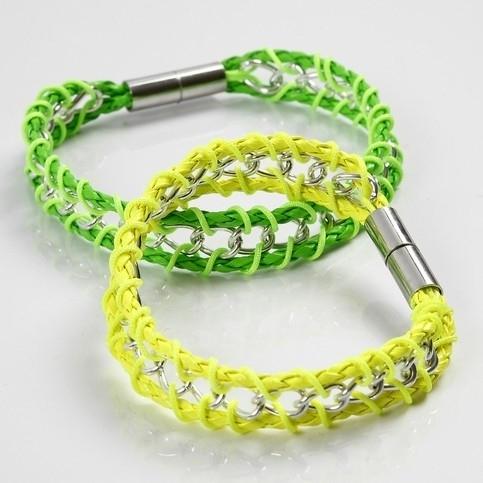 Set zelf maak  armbandje met gevlochten koord en jasseron neon geel