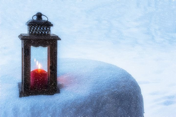 Winter Candle/Christmas Candle