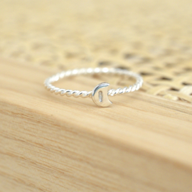The Moon Ring | (Initiaal) Ring Maantje - 925 Zilver