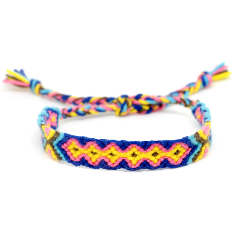Friendship Bracelet | Geknoopt Vriendschaps Armbandje