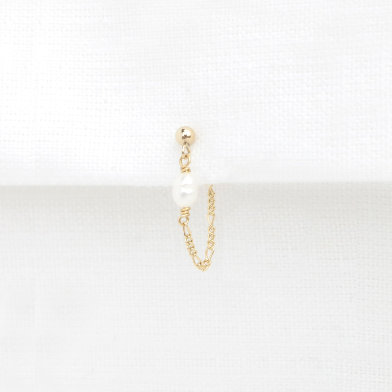 Pearl Chain Stud | Oorknopje Zoetwaterparel - 14K Gold Filled