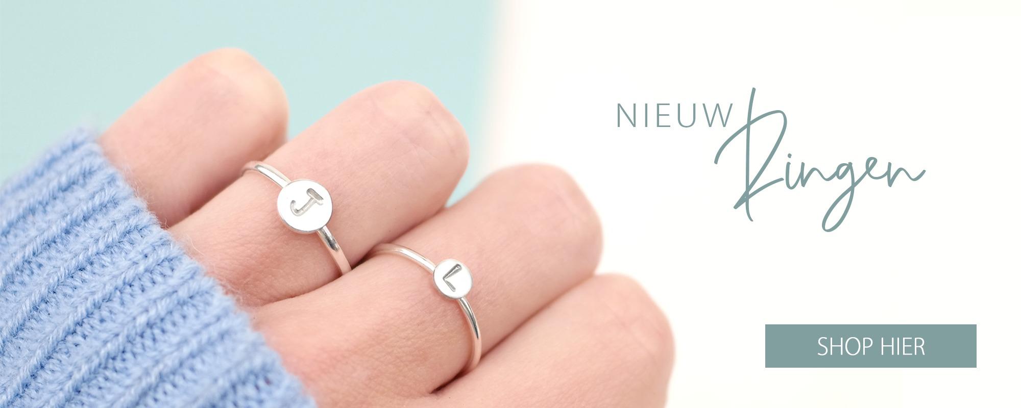 Handgesmede Initiaal Ringen 925 Zilver