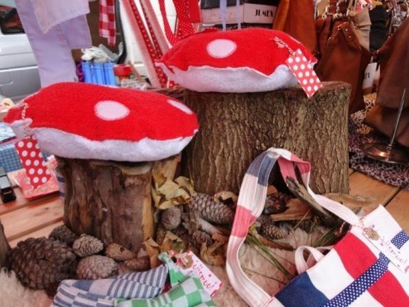paddenstoelkussen markt.jpg
