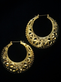 Lace Hoops in Gold