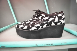 Creepers Black & White Size 40