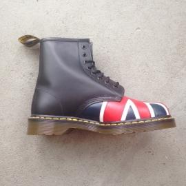 Dr. Martens British Flag Size 40