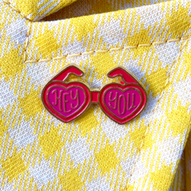 Heart Eyes Sunnies Pin