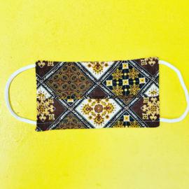 Facemask Brown squares Batik