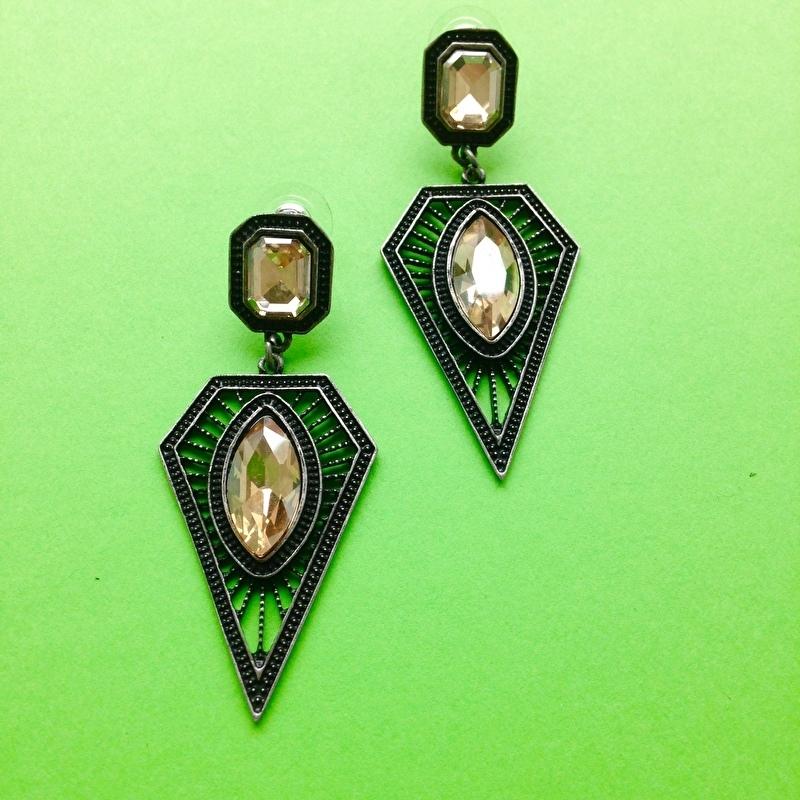 Diamond Shape Black/Bronze Earrings