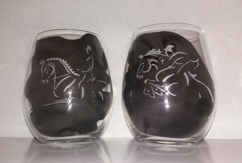 Set van 2 gegraveerde water glazen
