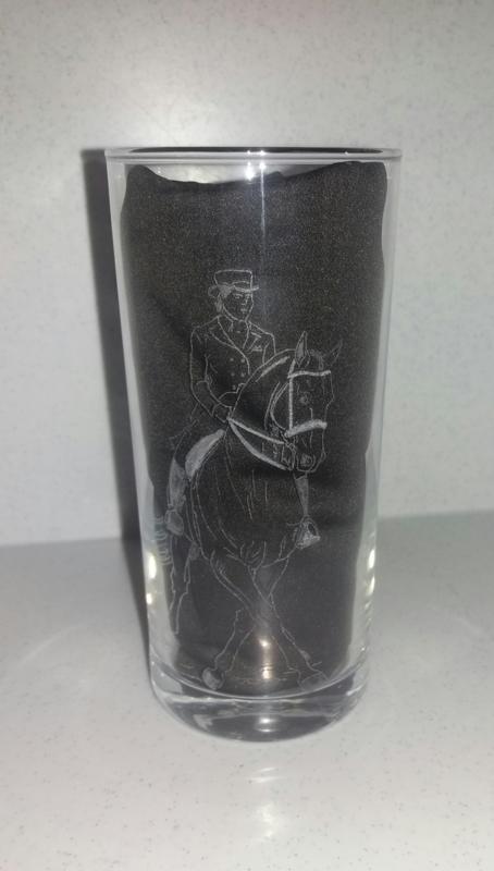 Gegraveerd Longdrinkglas 'Dressuur'