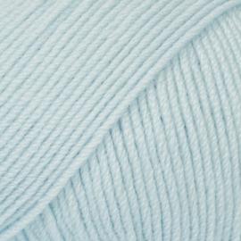 Baby Merino Uni 11 ijsblauw
