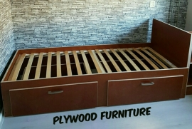 Plywood Ledikant met Rol lade gemaakt van Light Brown betonplex ***Model 16