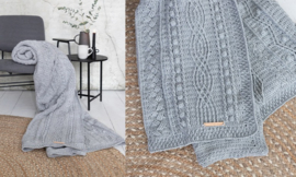 Twisted crochet along muisgrijs
