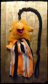 Jaag speeltje 1m lang met slierten oranje