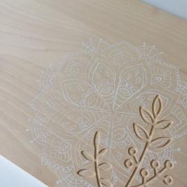 Broodplank / serveerplank met handgetekende mandala