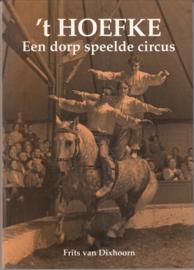 ,t Hoefke -Een dorp speelde circus