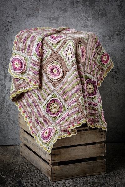 Stylecraft Lily Pond Blanket Special DK Pakket Cherry Blossom CAL 2015