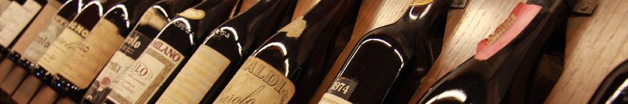 Verschillende flessen Barolo wijn